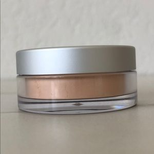 5/$25! BECCA Soft Light Blurring Powder
